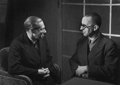 Fred Stein - Lion Feuchtwanger and Berchtold Brecht